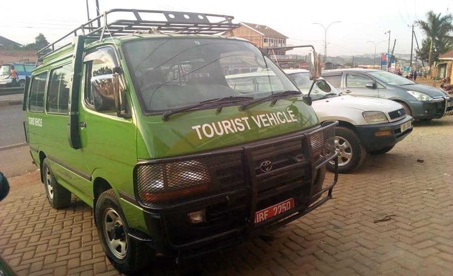 Hire a car in Uganda